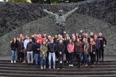 Ispred spomenika Matiji Gupcu i Seljačkoj buni